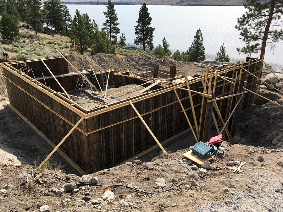 Mettler Construction pouring foundation on custom home in Merritt, BC Nicola Lakeshore