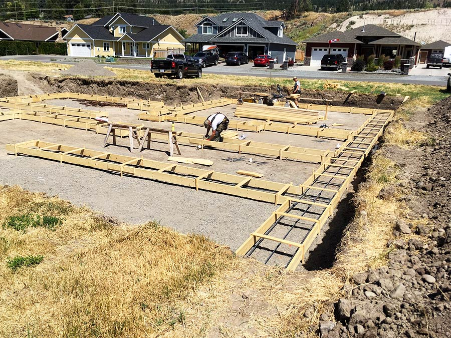 Mettler Construction - preparing footings for Burgess Ave custom home project in Merritt