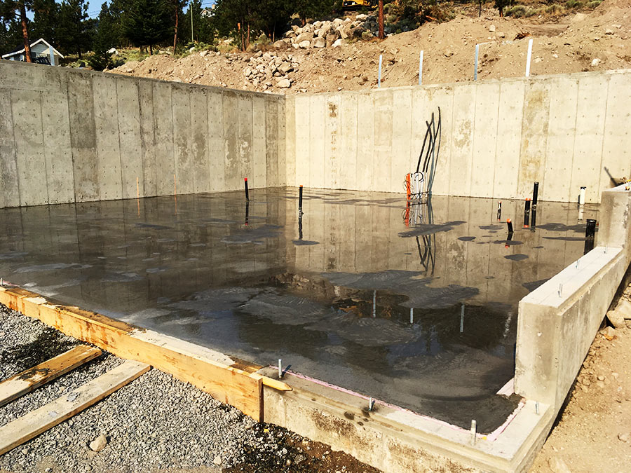 Basement floor poured at Nicola Lakeshore project by Mettler Construction in Merritt BC
