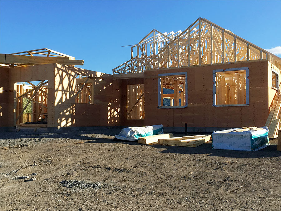 Burgess Ave project by Mettler Construction in Merritt BC - timbers taking shape